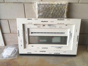 valraam met ventilatie rooster THM 90 wit